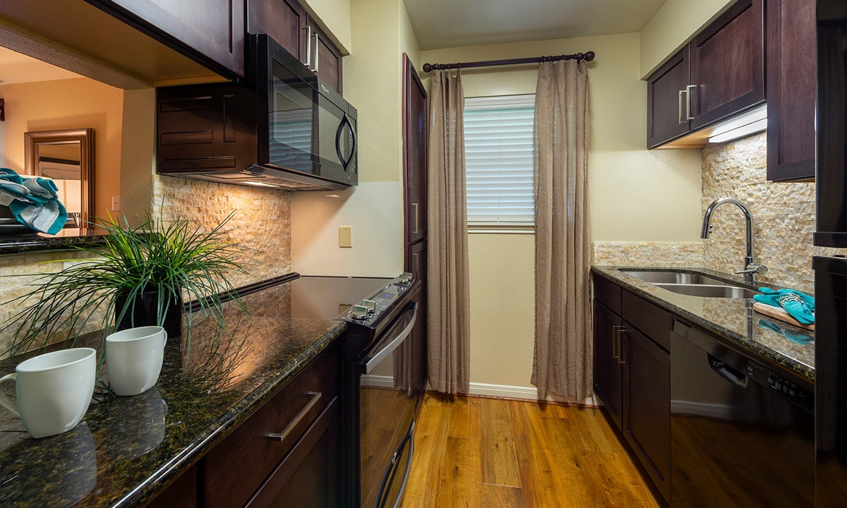 Gallery 12 | Colony Oaks Apartment in Bellaire Houston