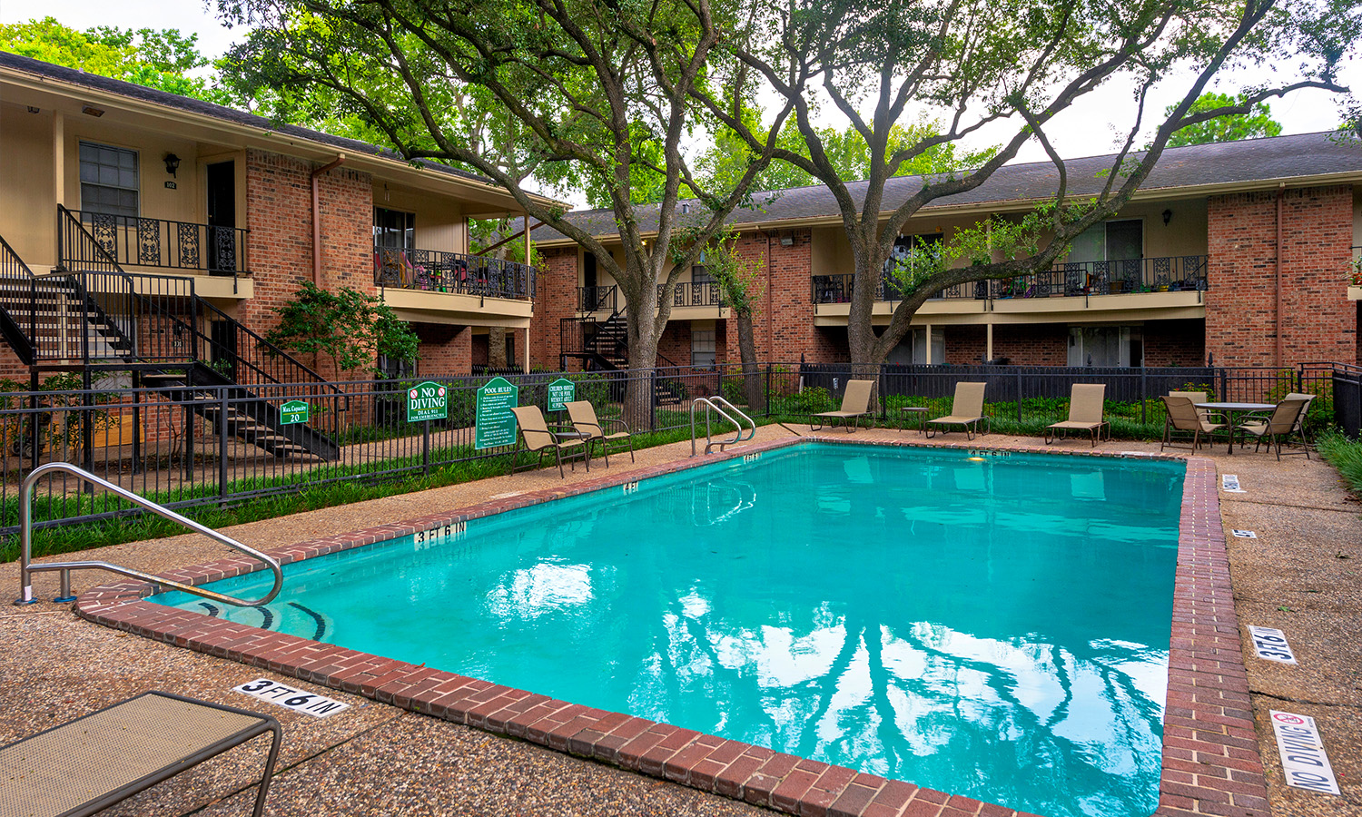 Gallery 4 | Colony Oaks Apartments in Houston